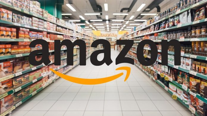 3f74f834f1a0 Δημοφιλείς μάρκες ρούχων όπως η Nike, η Under Armour και η Levi Strauss,  διαθέτουν τα προϊόντα τους μέσω της Amazon πέραν των δικών τους  ιστοσελίδων, ...