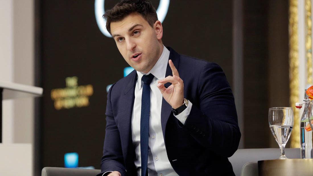 Ο νεαρός που ανέτρεψε το κλισέ «να μην εμπιστεύεσαι τους ξένους» κι έγινε δισεκατομμυριούχος